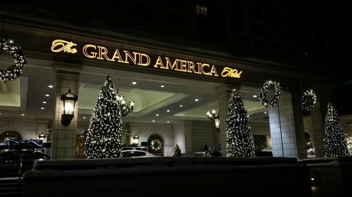 grand-american-entrance800-1